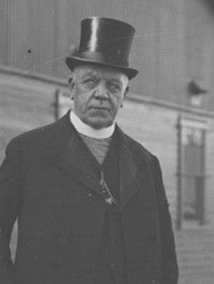 Patrick Clune - Archbishop Clune at Fremantle wharf (1927)