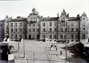 Łódź Fabryczna railway station - The old building, pictured in 1930, designed by Adolf Schimmelpfennig