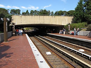Arlington Cemetery station - View from outbound end of station, showing canopy