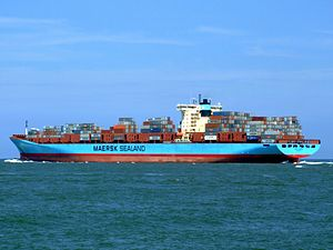 Arnold Maersk p4, leaving Port of Rotterdam, Holland 19-Jul-2007.jpg
