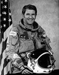 Astronaut Administrator Richard Truly - GPN-2000-001708.jpg