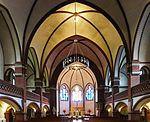 Auenkirche (Berlin-Wilmersdorf) Altarraum.JPG