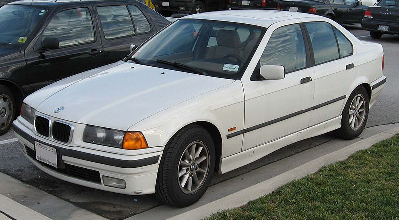 [Obrazek: 800px-BMW-E36-sedan.jpg]