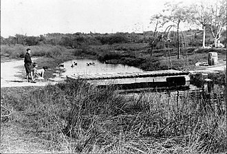 Parque Polideportivo Roca - The Cildañez Creek, that flows into the Riachuelo and divides Roca Park, in 1962.
