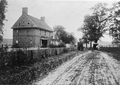 Barns Brinton House Photograph from 1905.png