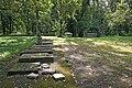 Barons cemetery - panoramio.jpg