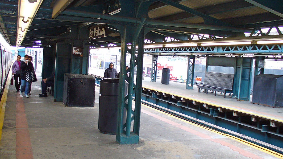 Bay Parkway Station Bmt West End Line Wikipedia