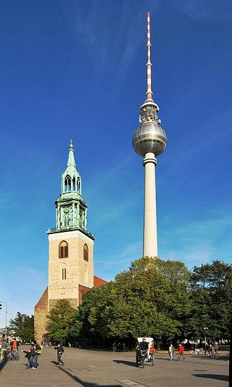 Fernsehturm Berlin - Image: Berlin Marienkirche Funkturm