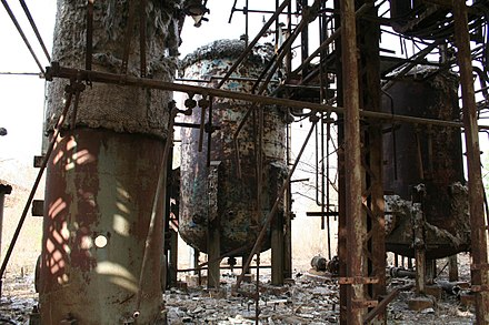 Deteriorating section of the MIC plant, decades after the gas leak. Bhopal-Union Carbide 2.jpg