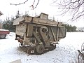 Biechowo - stara maszyna do omłotów wyciągnięta z stodoły czeka na rozbiórkę. - panoramio.jpg