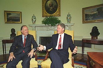 Richard Riordan - Riordan with President Bill Clinton in 1993