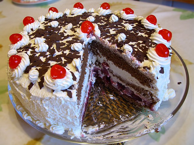A picture of a cake from wikipedia