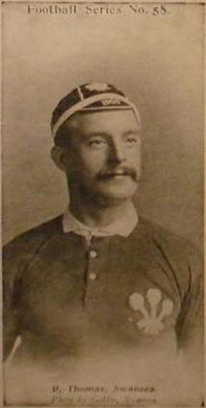 Bob Thomas (rugby union) - Thomas in Wales jersey