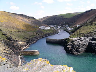 Crimthann mac Fidaig - A Cornish harbour of a sort the Irish kings may have used.