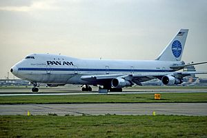 Pan Am Flight 830 - N754PA at London Heathrow Airport in 1983