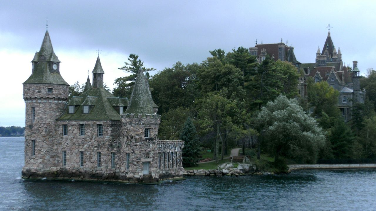 Castle House Island In Ireland