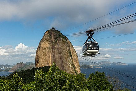 Approaching the summit Bondinho do Pao de Acucar by Diego Baravelli.jpg