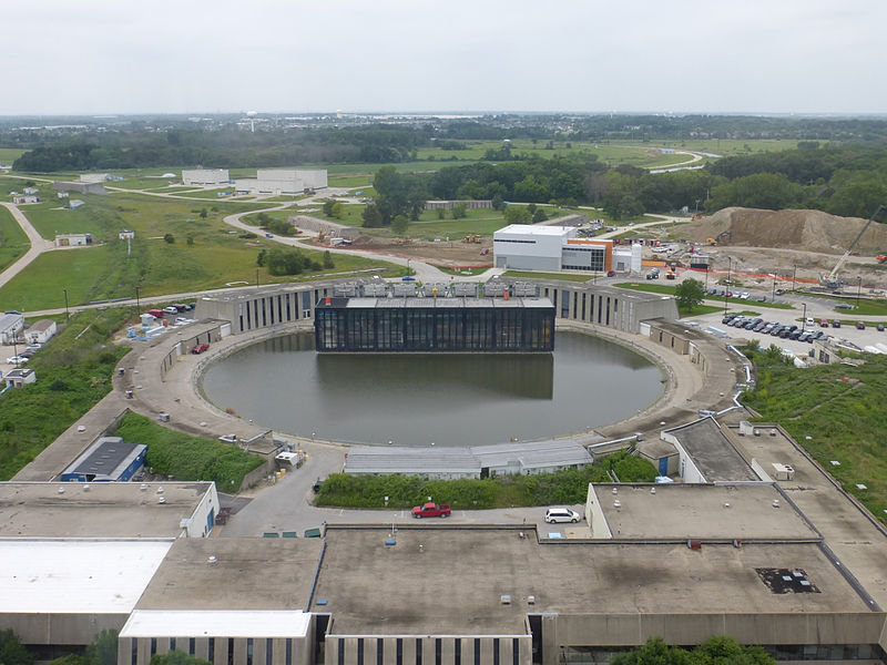 File:Booster ring at Fermilab.jpg