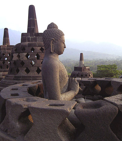 Highlights and Landmarks 418px-Borobudur-perfect-buddha