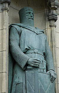 Eight-foot statue of Wallace by Alexander Carrick near the entrance of Edinburgh Castle