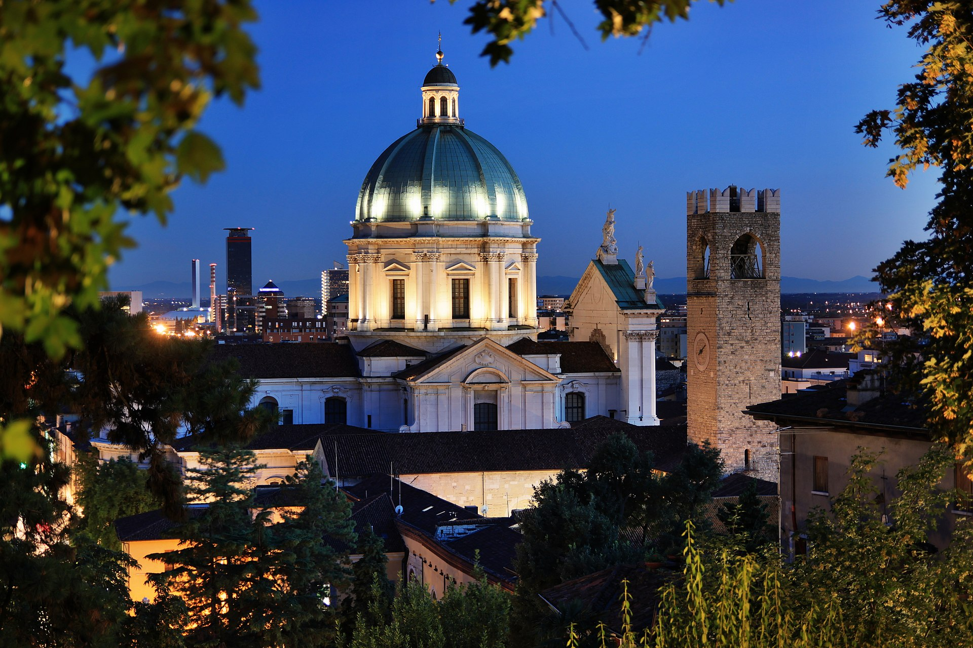 """Blick auf Brescia mit der Kuppel des """"neuen Doms"""""""