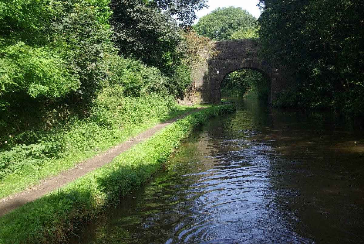 Bridge No. 13, Peak Forest Canal.jpg