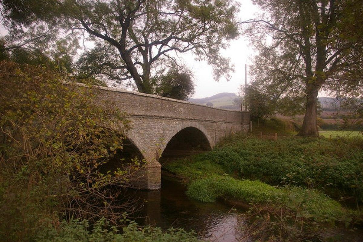 Bridge over River Clun - geograph.org.uk - 591364.jpg
