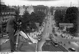 Bundesarchiv Bild 102-00903, Berlin, Potsdamer Platz und Leipziger Straße.jpg