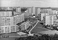 Bundesarchiv Bild 183-1987-0128-310, Berlin, Marzahn, Neubaugebiet, Wohnblocks.jpg