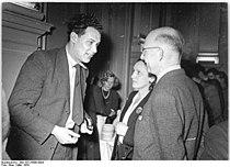 Bundesarchiv Bild 183-25686-0004, Leipzig, Autorenkonferenz, Gloger, Weiskopf, Wedding.jpg