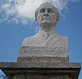 Busto del poeta y escritor guatemalteco Humberto Porta Mencos.jpg