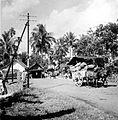 COLLECTIE TROPENMUSEUM De weg tussen Bandoeng en Solo Java TMnr 10007626.jpg