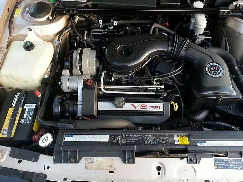 File Cadillac 4-9 Liter V8 Engine From 1992 Sedan Deville 2014-05-01 00-48 Jpeg