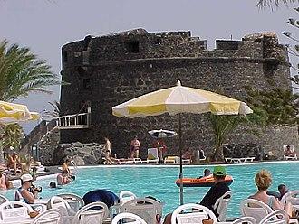 Fuerteventura - Caleta de Fuste and its castle.