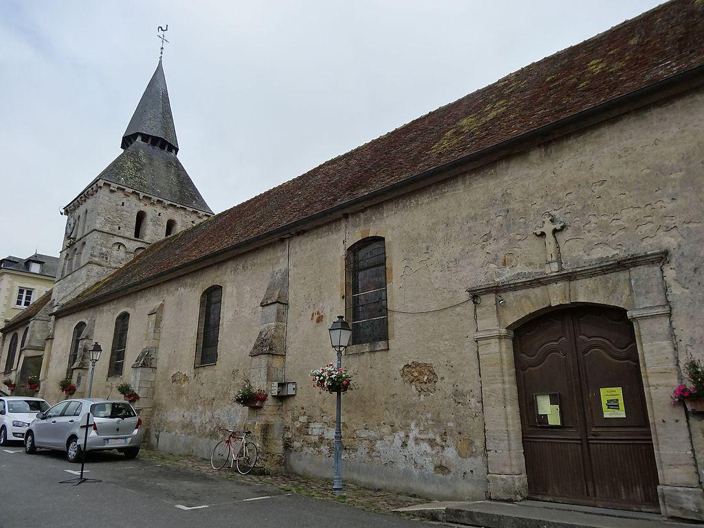 Cambremer, église St Denis, façade nord.JPG