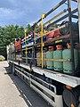 Camion de livraison de bouteilles de gaz (Carrefour Market, Miribel, juin 2019).jpg
