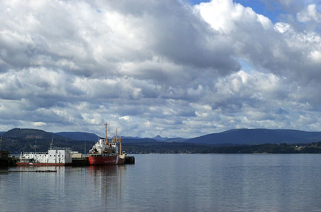 Coast Guard vessel moored at North Saanich By Kyle Flood from Victoria, British Columbia, Canada (Coast Guard) [CC-BY-SA-2.0 (http://creativecommons.org/licenses/by-sa/2.0)], via Wikimedia Commons