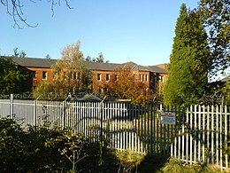 Il Cane Hill Hospital di Croydon, residenza forzata del fratellastro Terry per 15 anni. Nel 1970 verrà evocato nel brano All the Madmen