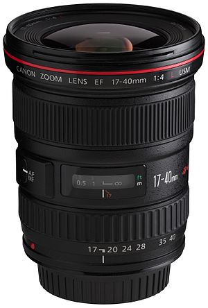 Canon EF 17–40mm lens - Image: Canon EF 17 40mm f 4L USM front angled