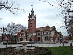 https://upload.wikimedia.org/wikipedia/commons/thumb/6/66/Casa_del_Reloj_(Madrid)_03.jpg/245px-Casa_del_Reloj_(Madrid)_03.jpg