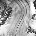 Casement Glacier, valley glacier with winding medial moraine, August 22, 1965 (GLACIERS 5287).jpg