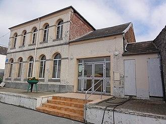 Cerfontaine, Nord - Image: Cerfontaine (Nord, Fr) salle conmmunale