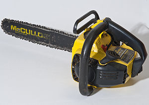 English: Chainsaw McCulloch Deutsch: Kettensäg...