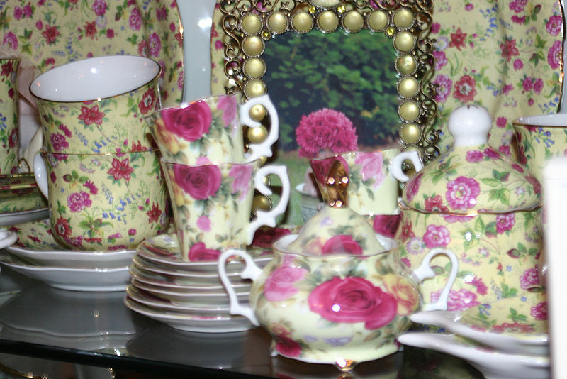 Chintz pattern Tea Set