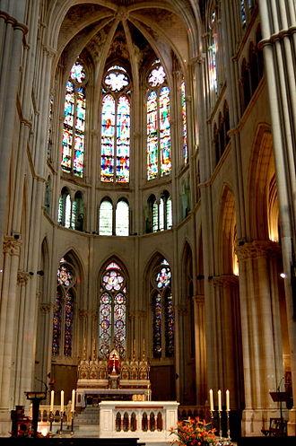 Église Saint-Vincent-de-Paul - Image: Choir of Église des Réformés in Marseille