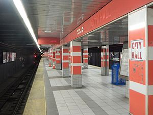 City Hall station (PATCO) - City Hall station platform in April2015