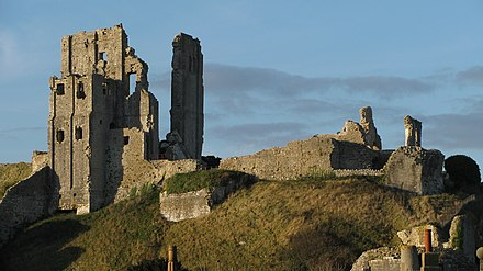 Corfe Castle was slighted during the English Civil War so that its defences could not be reused. Corfe Castke 57.JPG