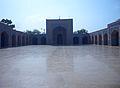 Countyard Shah Jahen Mosque Thatta 01.jpg