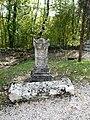 Couze-et-Saint-Front cimetière pierre tombale.JPG