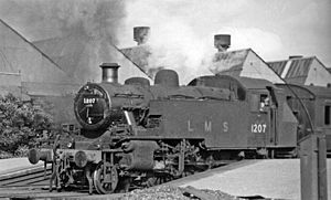 Cricklewood railway station - Local train at Cricklewood in 1948